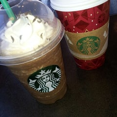Photo taken at Starbucks by Anjani V. on 11/17/2013