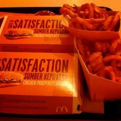 Photo taken at McDonald's by Eddie N. on 1/26/2013