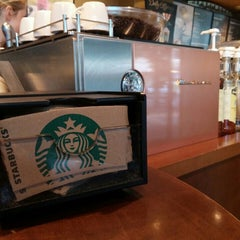 Photo taken at Starbucks by Andreas S. on 8/20/2015