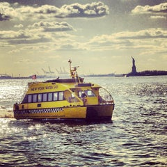 Photo taken at New York Water Taxi - Pier 11, Slip A by Richy T. on 4/8/2013