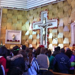 Photo taken at Iglesia San lorenzo by Gylda D. on 1/1/2014