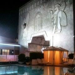 Photo taken at Loews Hollywood Hotel by Luke Kash Y. on 12/4/2012
