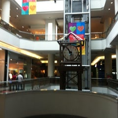 Photo taken at Mall El Jardín by Marcelo M. on 2/4/2014