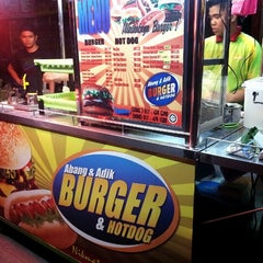 Photo taken at Abang & Adik Burger by Jason Matthew T. on 3/28/2013