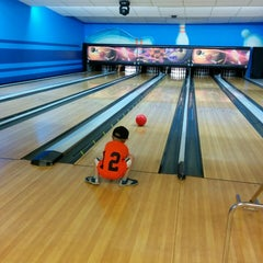 Photo taken at Chipper's Lanes by Tom S. on 6/7/2014