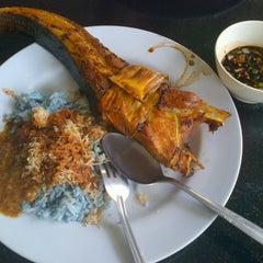 Photo taken at Restoran Soto Shah Alam by AHMAD F. on 10/12/2012