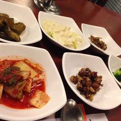 Photo taken at Huwon Restaurante Coreano by Daniel C. on 10/2/2015