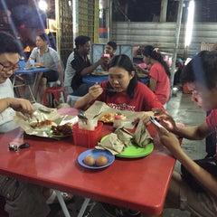 Photo taken at Bus Stop Mamak by 🍀Gigi F. on 9/2/2015