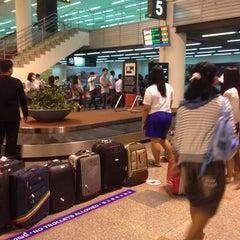 Photo taken at Baggage Claim 5 by thummanoon k. on 5/13/2014