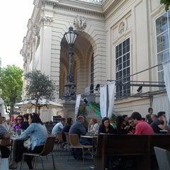 Das Foto wurde bei Café.Restaurant Halle von Natasa S. am 5/1/2013 aufgenommen