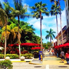 Photo taken at Lincoln Road Mall by Marco Z. on 9/19/2013