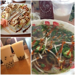Photo taken at Pho Thaison by Ibeth V. on 3/17/2013