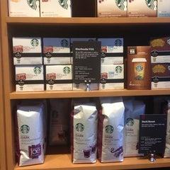 Photo taken at Starbucks by Obi on 2/19/2013