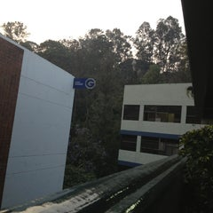 Photo taken at Universidad Galileo by Ricardo R. on 2/27/2013