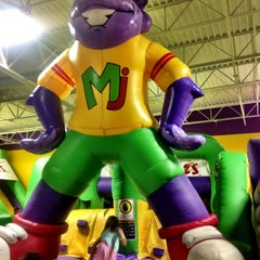 Photo taken at Monkey Joe's by Marisol F. on 2/16/2013
