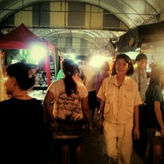 Photo taken at Tesco Lotus (เทสโก้ โลตัส) by Eve I. on 10/5/2012