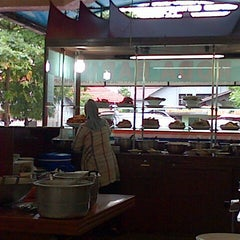 Photo taken at RM Padang Roda Baru by Bobby C. on 2/9/2013