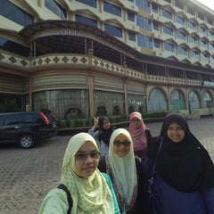 Photo taken at Madani Hotel by Amni S. on 8/4/2015