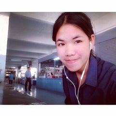 Photo taken at โรงเรียนวัดเขมาภิรตาราม (Wat Khemapirataram School) by Mmychillz on 3/20/2014