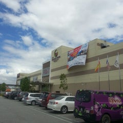Photo taken at AEON Mahkota Cheras Shopping Centre by Francis Ng C. on 3/7/2013