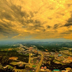 Photo taken at Motel 6 Pigeon Forge, TN by Will G. on 8/22/2014