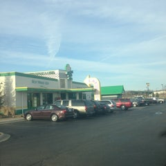 Photo taken at Quaker Steak & Lube® by Todd H. on 3/17/2013