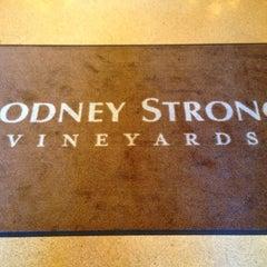Photo taken at Rodney Strong Vineyards by Nadina on 9/28/2013