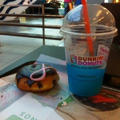 Photo taken at Dunkin' Donuts by Peter S. on 2/10/2014