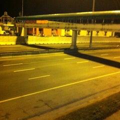 Photo taken at ศูนย์บริการทางหลวง ขาเข้า (Motorway Service Center - Inbound) by Kiattichat P. on 1/3/2013