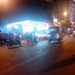 Photo taken at Pusat Jajanan Jalan Sabang by Dias P. on 8/2/2015