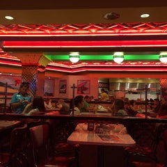 Photo taken at Roxy's Diner by Nathalie S. on 3/17/2015