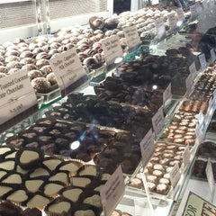 Photo taken at Whetstone Chocolate Factory by Irfan A. on 5/26/2014