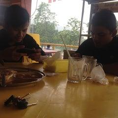 Photo taken at Restoran Mirasaa by Anor Aziz on 9/13/2015