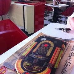 Photo taken at JukeBox Finest Burger by Janaina p. on 11/11/2012