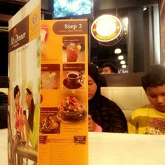 Photo taken at OldTown White Coffee by Didie on 4/25/2014