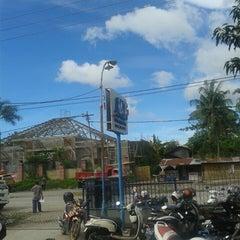 Photo taken at JNE Makassar by Armicah M. on 12/13/2013