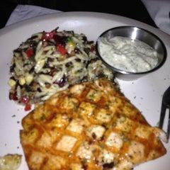 Photo taken at J. Alexander's Restaurant by Arlanne S. on 4/20/2013