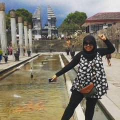 Photo taken at Makam Proklamator Bung Karno by Mhychan A. on 12/2/2015
