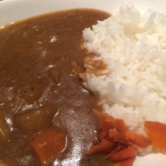Photo taken at Sakana Japanese Restaurant by Tom H. on 8/20/2015