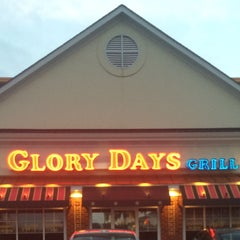 Photo taken at Glory Days Grill by Jennifer W. on 10/24/2015