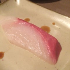 Photo taken at Daruma Japanese Restaurant by Menghua D. on 2/16/2015