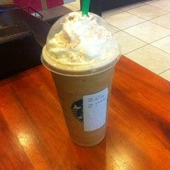 Photo taken at Starbucks by Eder C. on 12/1/2012
