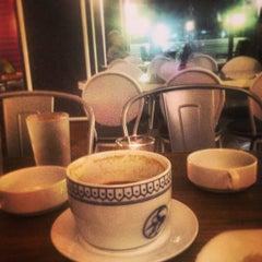 Photo taken at Coffe Zone (Gadong) by Reezal D. on 1/30/2013