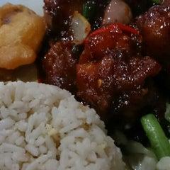 Photo taken at Q Thai Restaurant by Ghazi A. on 2/24/2016