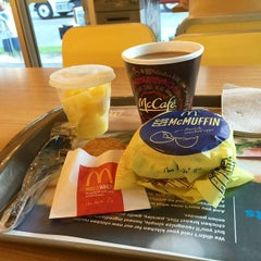 Photo taken at McDonald's by  pablo (. on 4/17/2015