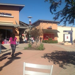 Photo taken at Round Rock Premium Outlets by Javier A. on 12/17/2012