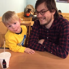 Photo taken at Tom's Burger & Frosty by Leigh C. on 1/17/2015
