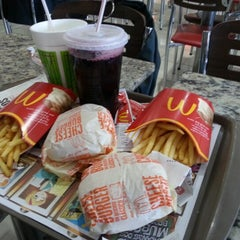 Photo taken at McDonald's by Guilherme F. on 11/19/2012