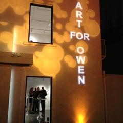 Photo taken at Alan Avery Art Company by Paul T. on 10/6/2012