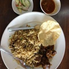 Photo taken at BARYANI GAM 88 - Katering & Western Food by Lynn I. on 3/29/2013
